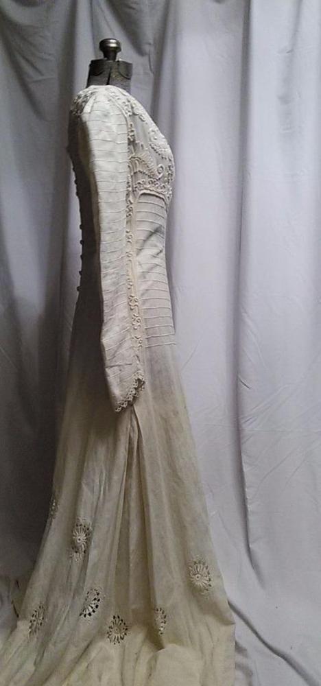 SCARCE Aesthetic Reform movement Arts & Crafts Linen Dress Gown circa 1900 #preraphaelite #Outdoor