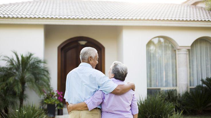 Door de woning op verschillende plaatsen aan te passen kun je langer thuis blijven wonen. Maar waar te beginnen? Deze tips helpen je op weg.