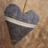 Lavender pendant - heart (linen/felt/embroidery)
