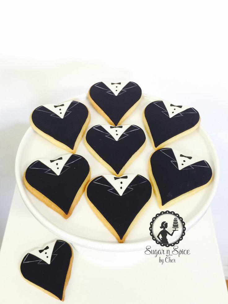 Heart shaped wedding groom cookies favours #sugarnspicebycher