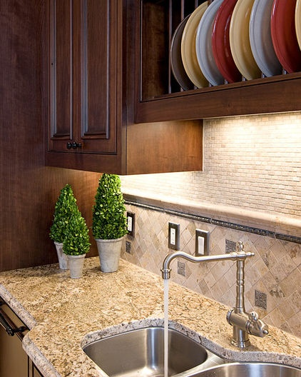 Travertine Stone Backsplash : Tumbled travertine backsplash traditional kitchen by in