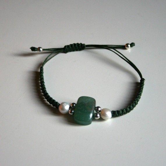 Macrame bracelet with silver balls, pearls and quartz - Helena via Etsy