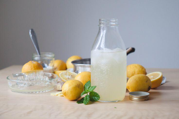 les 62 meilleures images propos de detox water eaux fruit es sur pinterest recettes d. Black Bedroom Furniture Sets. Home Design Ideas