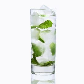 Tutta la freschezza e la salute di cui hai bisogno durante l'estate in questa semplice bevanda allo zenzero