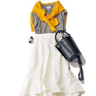 働くアラサー世代のワードローブに欠かせないタイトスカート。今年買うなら、ひざ下丈で長方形シルエットの【ボクシータイト】がマストです! どんなアイテム&テイストも受け入れる着回し力の高さが魅力なので、トレンド感いっぱいにヘビロテさせたいところ。そこで今回は、合わせるトップスや小物で・・・