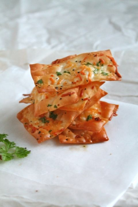 Parmesan Wonton Crackers   These easy-to-make crispy parmesan wonton homemade crackers are a great healthy snack alternative to processed foods! Vegetarian.