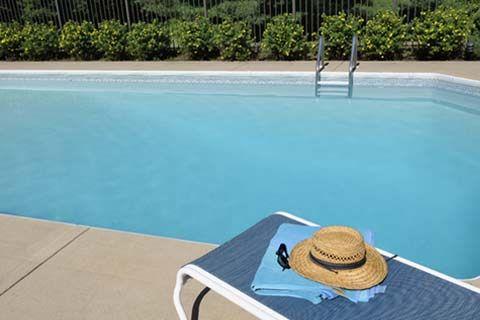 Les étés chauds font grimper les ventes de piscines. Garder la tête froide pourrait vous guider vers un achat judicieux et des économies.