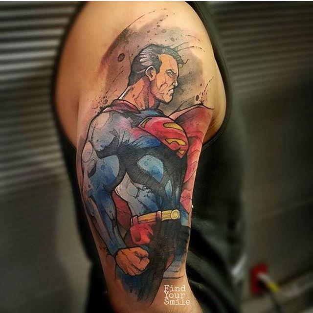 #electrumproteam #artist @findyoursmile #electrumsupply #electrumstencilproducts #electrum #electrumstencilprimer #teamelectrum #electrumtattoomachines #greengold #stencilporn #strongstencils #tattoostencil #getsum #tattoo #tattoos #bestinthebiz #killerartistalliance www.electrumsupply.com Superman Tattoo tatuaje brazo tatuaje acuarela tradicional tattoos
