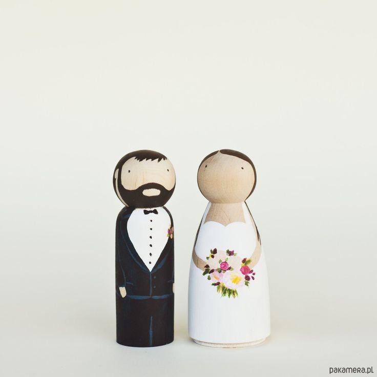 Drewniane figurki na tort z topperem wstęgą - Ślub - dodatki - Pakamera.pl