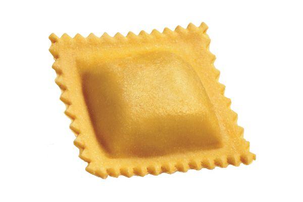 Tortelloni al Crostacei. Verse gevulde Tortelloni met krab en kreeft. Met knoflook, boter en salie. Of met verse gegrilde garnalen!