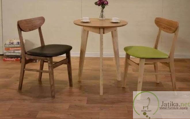 Kursi Teras Cafe Minimalis Vintage adalah salah satu kursi yang diproduksi di mebel Furniture kami, kursi ini banyak diminati oleh para Pecinta furniture.