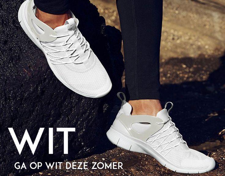 Zomertrends, loop op witter dan wit deze zomer. De trend voor deze zomer of beter gezegd één van de trends is wit, lange witte jurken, en rokken maar ook de schoenen in wit zijn ruimschoots aanwezig in de assortimenten van de webshops.  MEER  http://www.pops-fashion.com/?p=21571