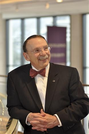 Dr. R. Bowen Loftin '71  President of Texas A man is wonderful!