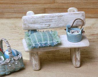 Miniatur-Treibholz-Bank fürs Puppenhaus