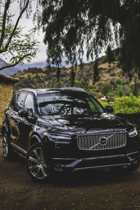The Volvo XC90 drives autonomously (no self accelerating or braking) up in 30 MPH in traffic, if another vehicle exists in front of you. The new S90 will drive autonomously without a car in front of you in speeds up to 80 MPH.