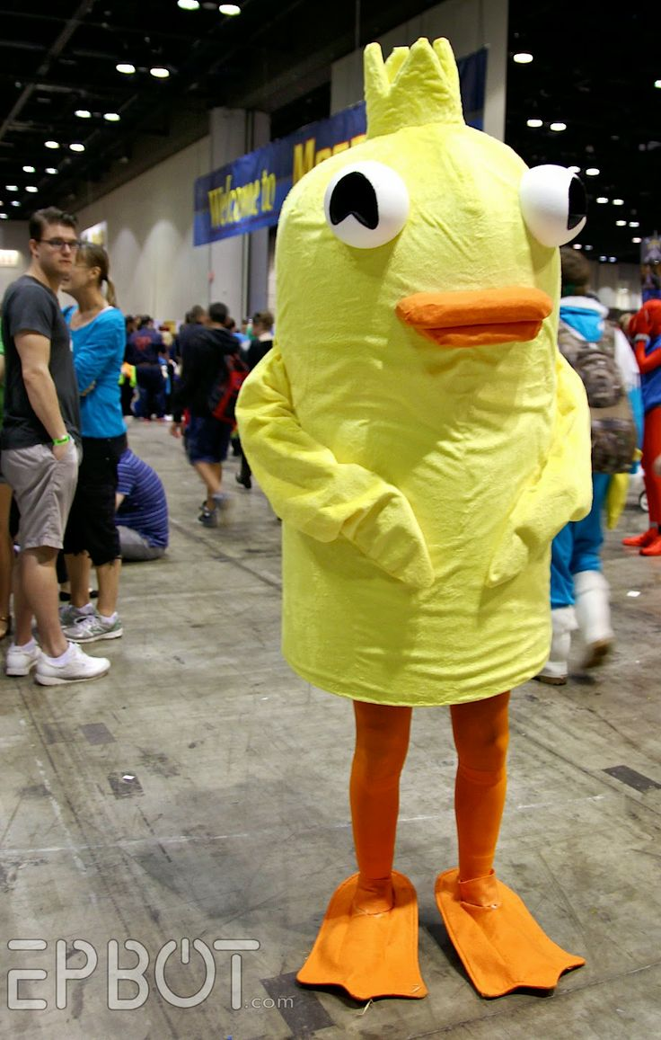 Ducky Momo cosplay my phineas and ferb inner fangirl is freaking out