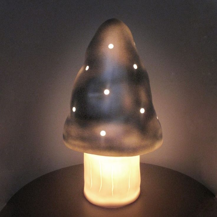 Pour une touche d'originalité, on optera pour la veilleuse champignon !