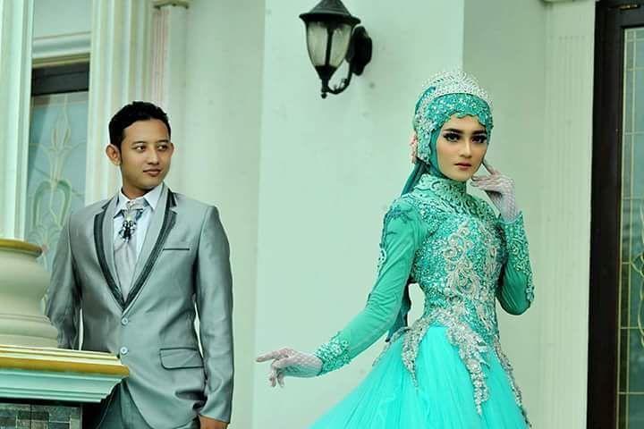 "180 Suka, 1 Komentar - ASRI HIJAB (@asri_hijab_wedding_organizer) di Instagram: ""ASRI HIJAB _RIAS PENGANTIN KHUSUS HIJAB,  SPESIALIS MAKE UP NO CUKUR ALIS DGN PERIAS2 WANITA TULEN…"""