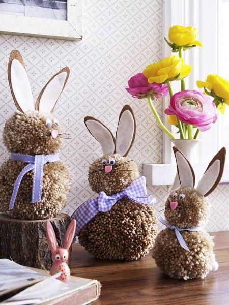 Hier haben wir eine ganze Osterhasen-Familie gestaltet. Herrlich flauschig sind sie auch nach Ostern noch ein kuscheliges Spielzeug für die Kids.