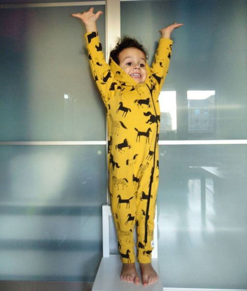 Happy Boy. Kid's fashion in one piece, mustard with horses. @alankowyideal #warm #mustard #horses #kidsinspiration #ootd #onepiece