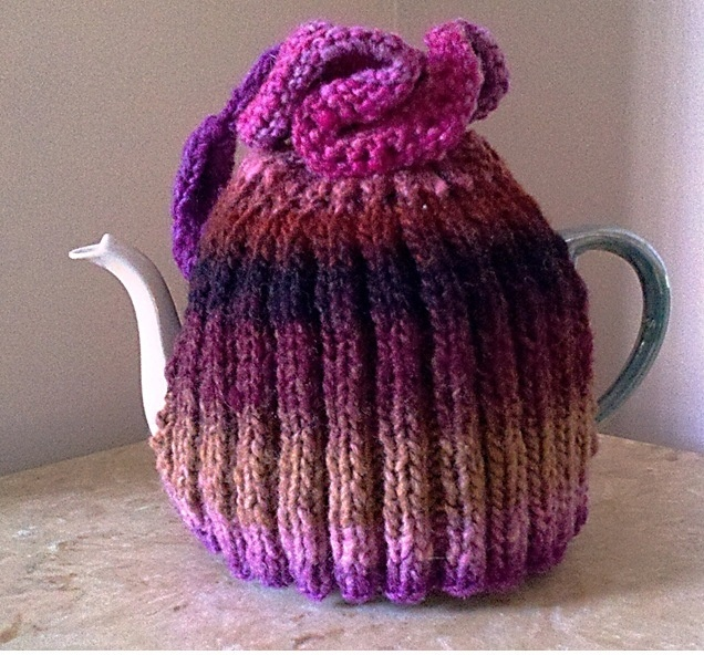 Adorable gift from my partner in Downton Abbey knitting swap.Abbey Knits, Knits Swap, Knits Cosy, Carolina Knits