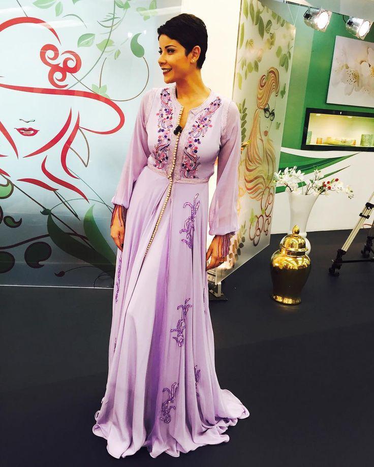 Hey😊✌️ la styliste Manal Dinar demain sur Sabahiyates 2M ❤️ #leilahadioui #caftan #mode #fashion #dress #morocco #sabahiyat2m