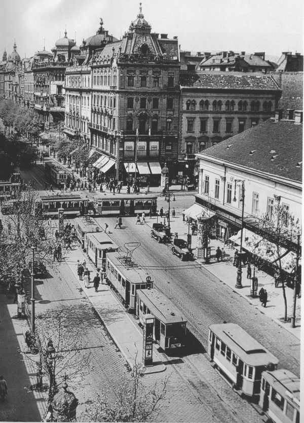 Old Budapest, Astoria Cross, 1934.