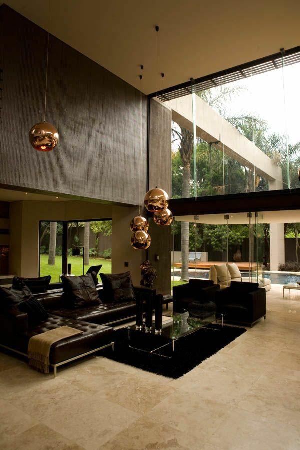 Moderne Gestaltungsideen Hohe Decke Im Zimmer Ledersofa
