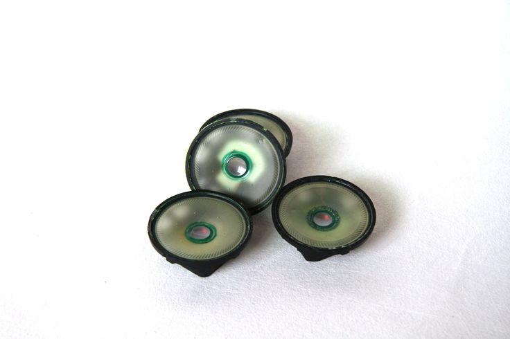 Speaker magneten. Magnetenset gemaakt van oude telefoonspeakers.