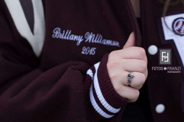 Fall Senior Session | Letterman Jacket | Class Ring Picture | Clothing Details | Session Details | Fotos by Franzi Photography
