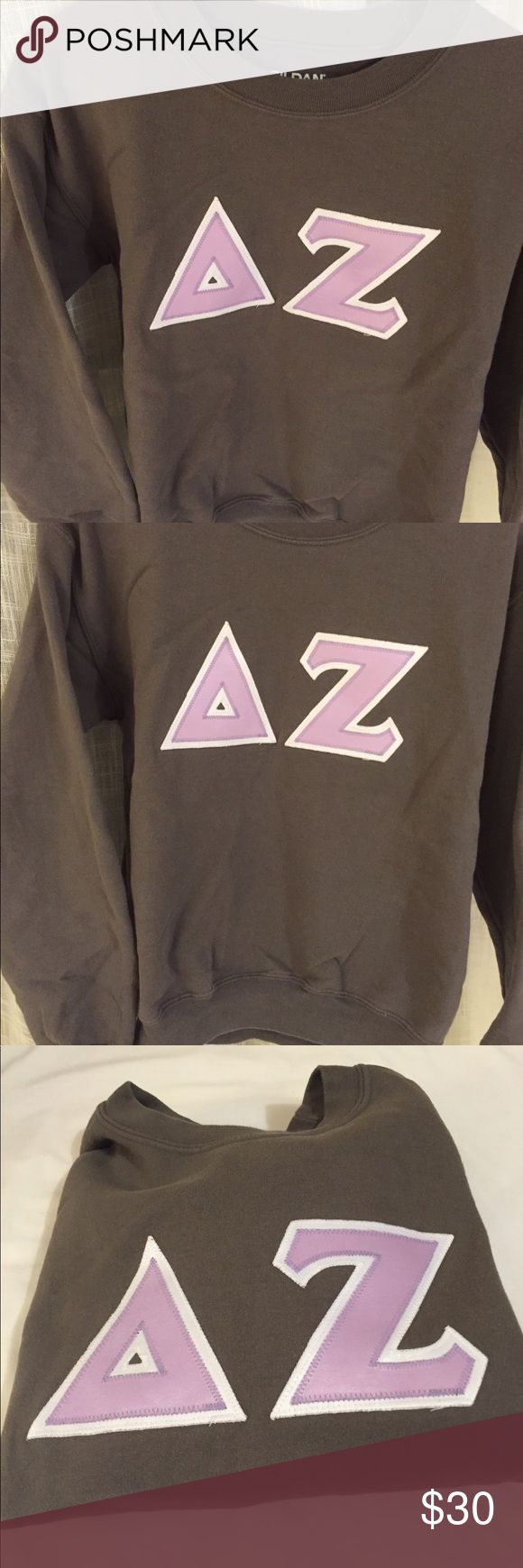 Grey Crewneck Delta Zeta Block Letter Sweatshirt DZ Block letter crewneck sweatshirt. Gildan size Small. Grey with light purple letters and white border Tops Tees - Short Sleeve