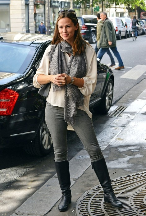 Jennifer Garner, I think she would be the sweetest person