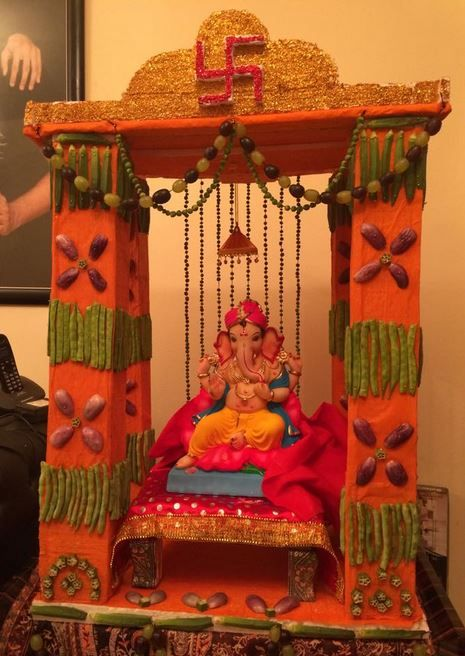 Ganpati decoration ideas at home ganpati decoration for Aarti thali decoration ideas for ganpati