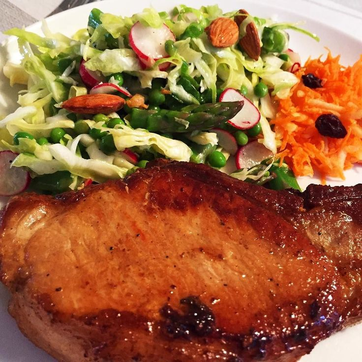 #pork #porkchop #salad Follow@weightlossexpert  #weightloss  #weightlossexpert #weightlossexpertguide  #diet #keto #ketogenicdiet  #lchf #lowcarb #paleo #dinner #lunch #plainandsimple #eatclean #nofancystuff #ilovefood  #qualityfood #fitness #health #instafit #fitlife #bikinibody #picoftheday #instagood #saladoftheday  #foodporn #instafood #yummy
