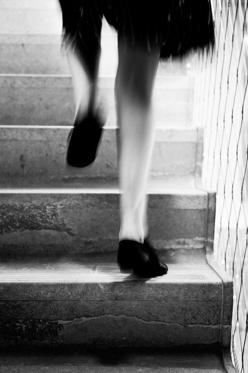 Documentaire straatfotografie zwart-wit trappen Gerard Strijp-S Eindhoven. Foto door Marijke Krekels fotografie