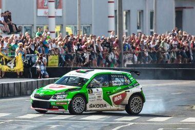 Értékes eredmény Székesfehérváron Norbert Herczig in der ungarischen Rallyemeisterschaft mit dem Skoda Fabia R5 von Baumschlager Rallye & Racing