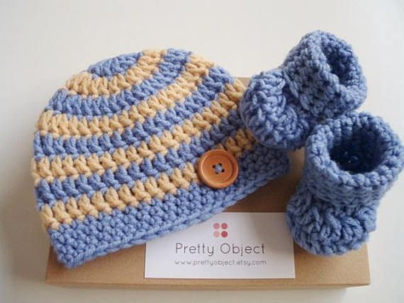 Newborn boy hat and shoes New baby gift set Crochet baby hat
