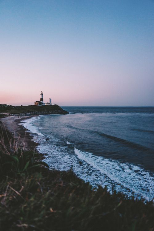 montauk light house montauk what we new york - Breathtaking Beach Houses In New York