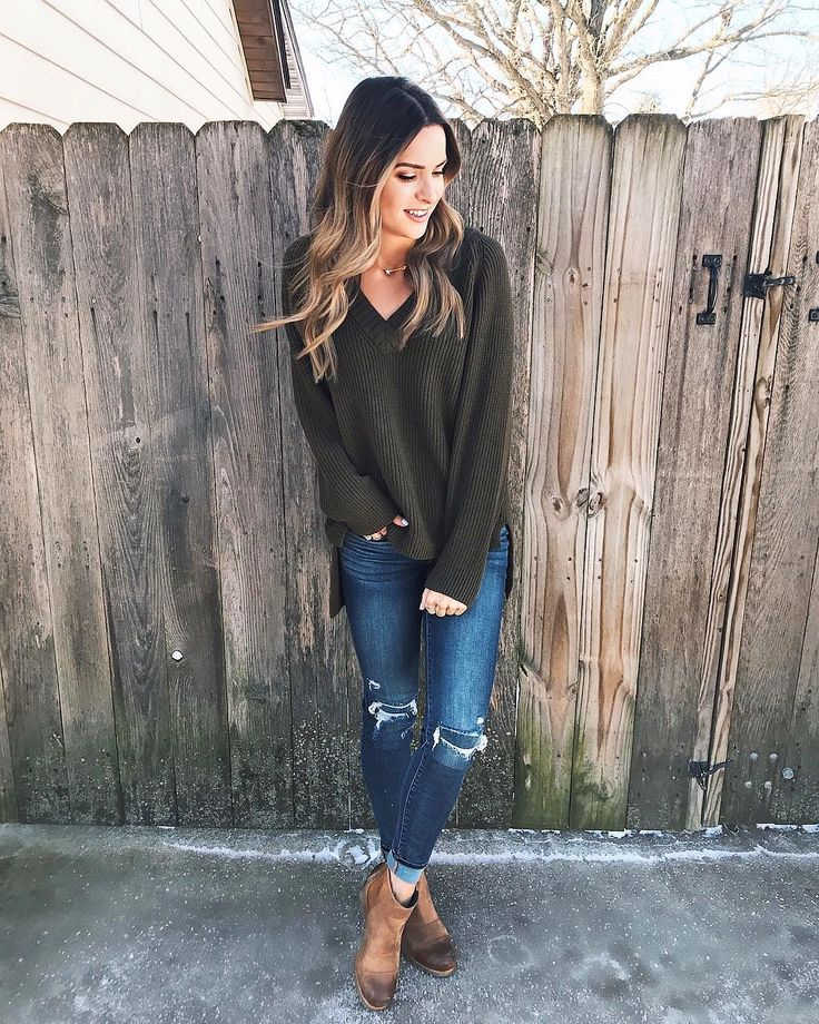 Family Christmas gatherings started this afternoon and Im as happy as can be!  It really is the best time of the year.  I hope everyone has a very merry Christmas weekend! | My tunic sweater is on sale for 50% off (under $30)! Linking up my entire look including my curling wand I used  at http://ift.tt/2kde9gI or with the @liketoknow.it app! http://liketk.it/2tZmd #liketkit