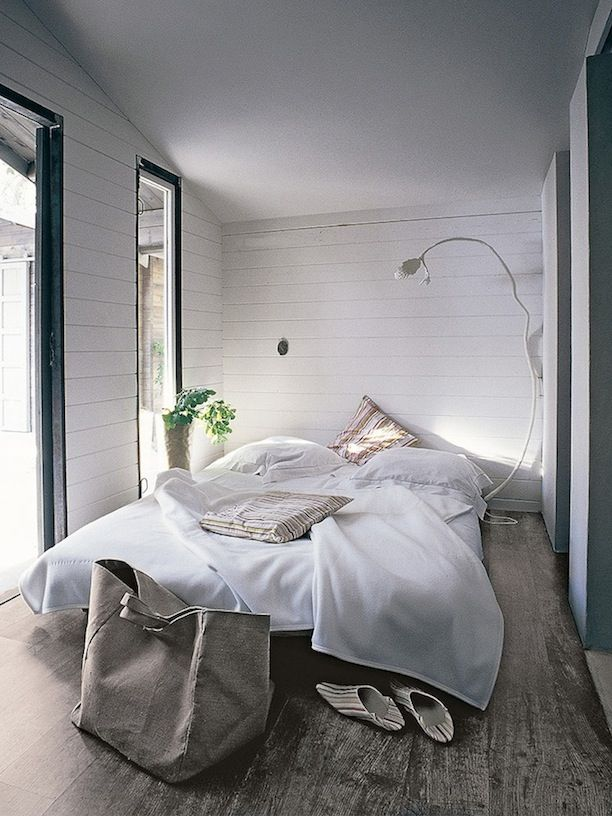 I would be so happy in this bedroom pardon my french but for I want to decorate my bedroom