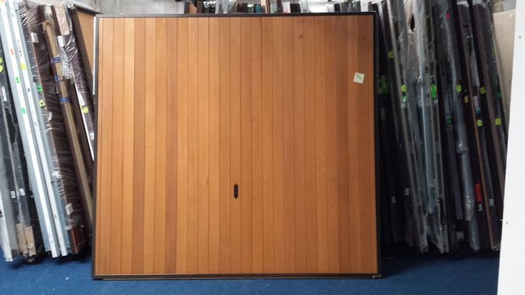"7'6"" x 7'0"" Cardale FUTURA VERTICAL Timber Retractable Garage Doors"