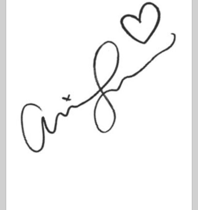 Arianas Autograph would be a cute tattoo | Ariana Grande