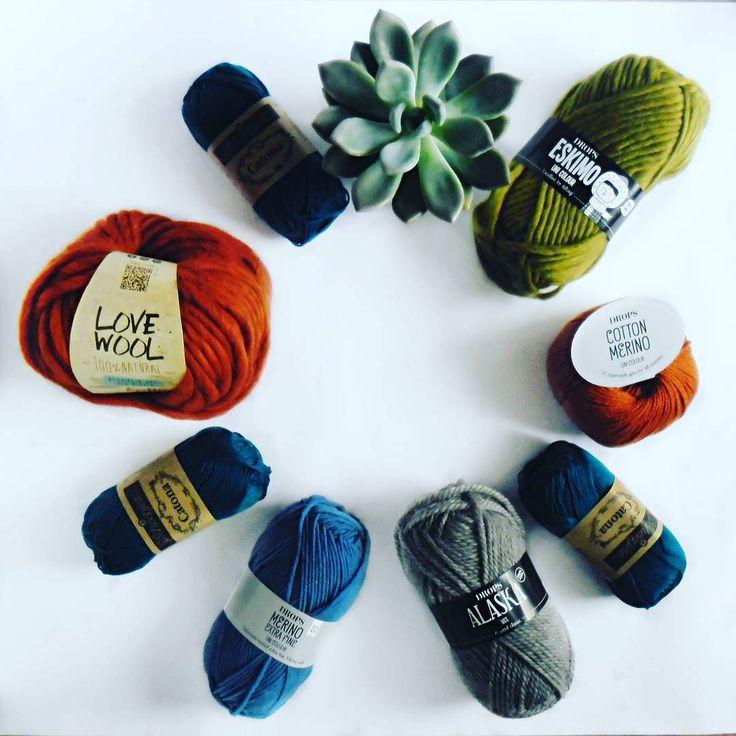 Kolory jesieni :) #yarn #wool #autumn #pantone #pantonecolor #neutralgrey #shadedspruce #goldenlime #marina #autumnmaple #katia #drops #garnstudio #lovewool #scheepjes #catona #merinowool #merinoextrafine #dropsalaska #dropseskimo #cottonmerino #succulent