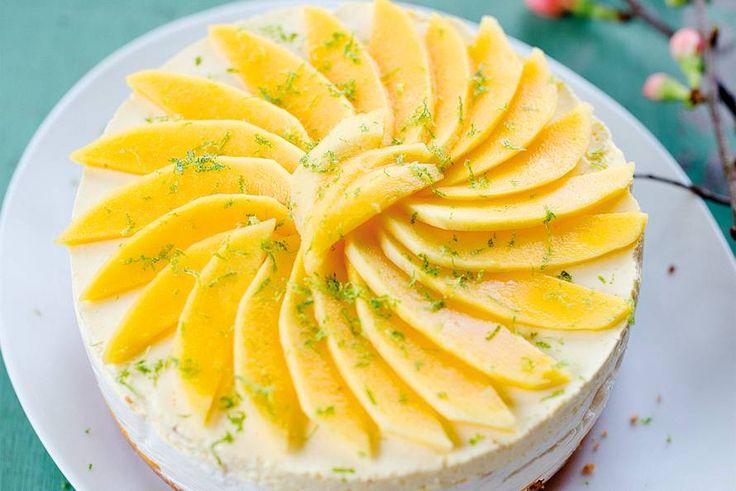 Geef een tropisch tintje aan je dag met deze frisse, zonnige voorjaarstaart - Recept -Kokosyoghurttaart met mango - Allerhande