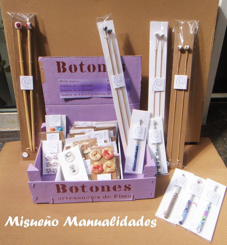 Botones, agujas de tejer y de ganchillo de Fimo. www.misuenyo.com / www.misuenyo.es