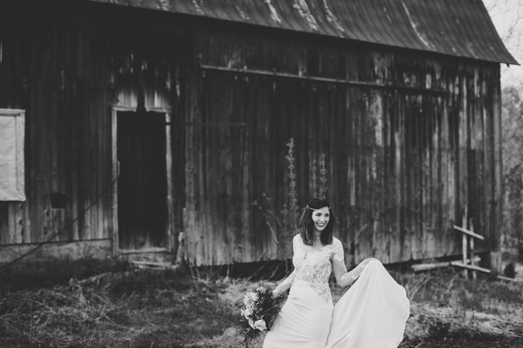 Shooting mariage -Thème bohème folk à la Ferme Kerr   Photographe : Camille Marciano   Donne-moi ta main - Blog mariage