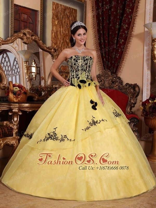 yellow dress quinceanera feature