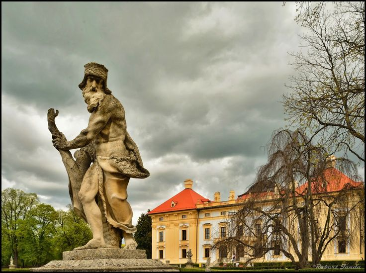Slavkov castle - Moravia Czech Republic http://www.italyandeuropetours.com/italyandeuropetours/listing/among-the-moravian-castles/