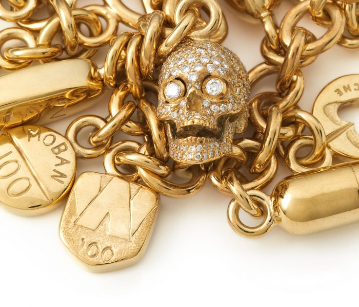 Other Criteria - Damien Hirst – Pill Bracelet with Diamond Skull, Yellow Gold