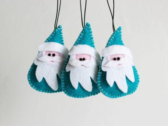 He encontrado este interesante anuncio de Etsy en https://www.etsy.com/es/listing/201617067/santa-claus-christmas-felt-ornamentfelt